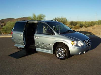 2005 Chrysler Town & Country Limited Wheelchair Handicap Mobility Van 2005 Chrysler Town & Country Limited Wheelchair Handicap Mobility Low Miles