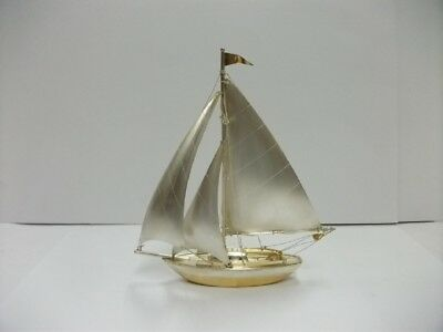 The sailboat of Silver970 of Japan. #73g/ 2.57oz. A Japanese antique.