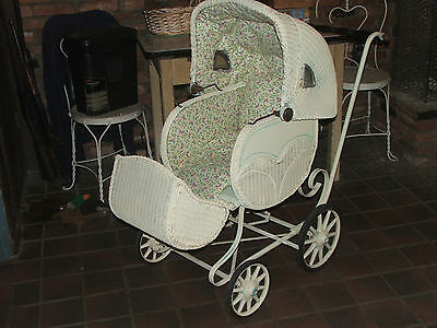 Vintage Wicker Baby Carriage / Stroller / Pram with Adjustable Canopy