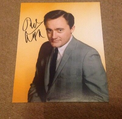 ROBERT VAUGHAN  -  MAN UNCLE POSE  - SIGNED COL PHOTO  - 10 x 8 Inches   -  UACC