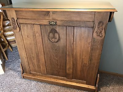 Beautiful Antique Murphy Bed                          NO RESERVE!!