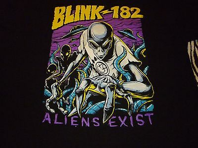 Blink 182 Shirt ( Used Size L ) Good Condition!!!