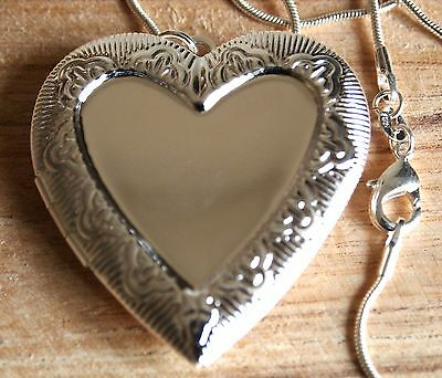A Beautiful 925 Sterling Silver Large Heart Locket Pendant Necklace