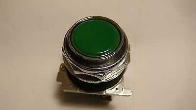 CUTLER HAMMER 10250T103 PUSHBUTTON MOMENTARY GREEN FLUSH HEAD SERIES A1 NNB
