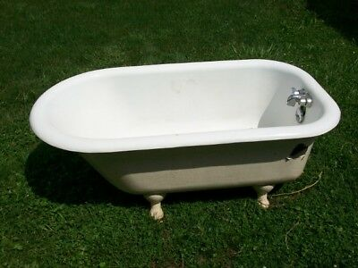 """Vintage Cast Iron Claw Foot Bathtub 21"""" Tall 30"""" Wide 55"""" Long PICK UP ONLY!!"""