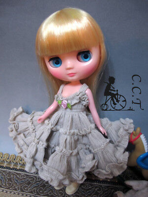 C.C.T Middie Blythe doll outfit  ruffle slipdress (beige) c-mb-055