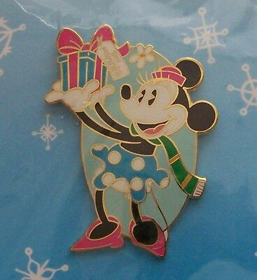 Disney Pin DLR Cast Member Holiday Party Minnie with Gift
