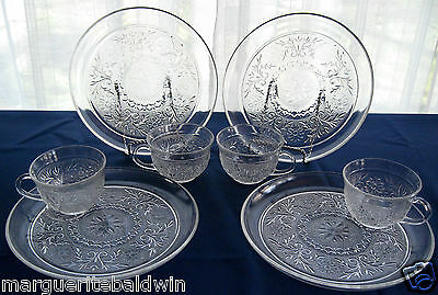 Anchor Hocking Glass 4 Clear Sandwich Snack Luncheon Plate & Cup Sets