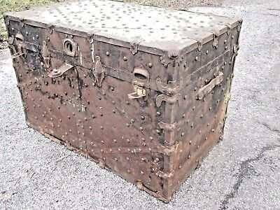 Antique-Trunk-Tacked-all-over-this-By-WHITTLE-TRUNK-amp-BAG-Co-Knoxville-TN