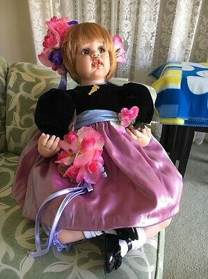 """Fayzah Spanos Doll. """"mommy's Little Bouquet"""". New"""