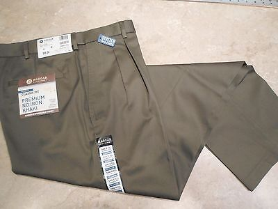 Haggar Premium No-Iron Classic-Fit Expandable-Waist Pleated - Color: 'Toast'