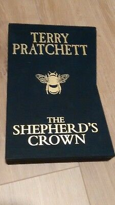 Terry Pratchett The Shepherd's Crown Slipcased LIMITED EDITION NUMBERED SEALED