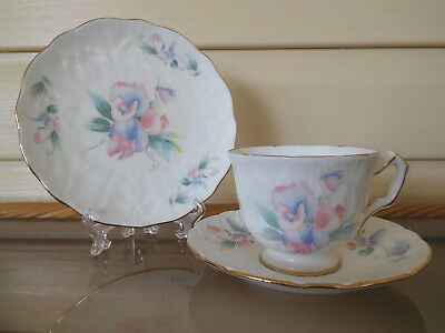 """Aynsley """"Little Sweetheart"""" Trio Made In England"""
