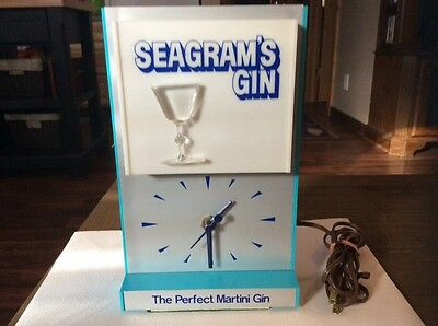 Vintage Seagrams Gin Light Up Clock