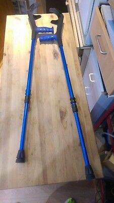 2 Moulded dual sam height adjustable crutches good condition