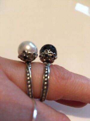 2 Rings Pearl And Black Sterling Silver
