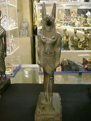 ViNTAGE HAND CARVED  THE GOD ANUBIS STATUE 1987 MADE IN EGYPT