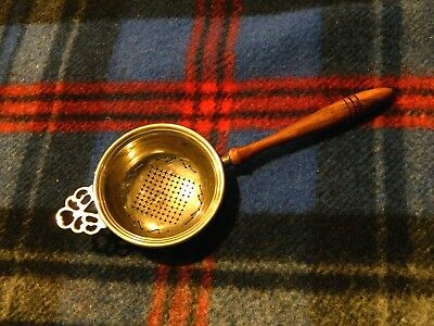 Beautiful Antique Colonial Style Wood Handle Tea Silverplate Strainer