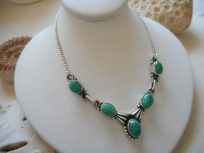 Vintage Sterling Silver Green  Malachite Necklace   750902