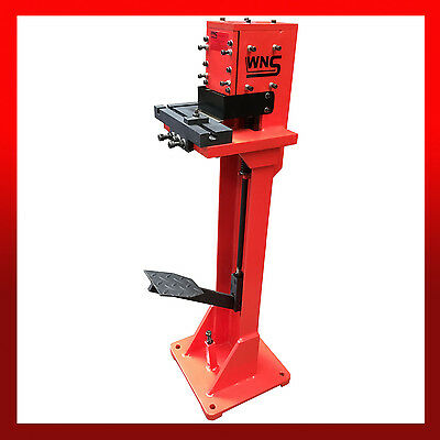 WNS Hand Sheet Metal Foot Operated Treadle Corner Notcher / Right Angle Cutter
