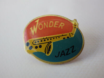 Pin's vintage Collector épinglette Musical WONDer jazz