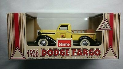 Home Hardware 1936 Dodge Fargo 1:25 Delivery Truck Coin Bank Mint!!