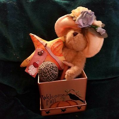 Primitive Fall Box with Boyd's Bear and Goodies New