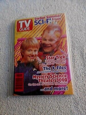 TV Guide 7/15/95 Summer Sci-fi Issue Star Trek Voyager Signed by Stefan Petrucha