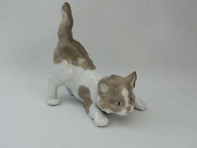 LLADRO - *PLAYFUL CAT* #5091 Retired 1998 - Mint Condition