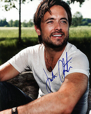 Justin Chatwin Hand signed 8x10 photo w/COA