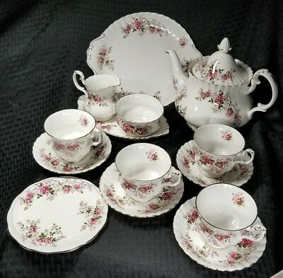 Royal Albert Lavender Rose Tea Set for 4 14 Pieces Serving Tray Sandwich Trivet