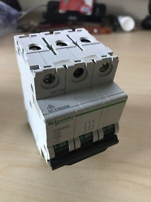 SCHNEIDER ELECTRIC 3 POLE CIRCUIT BREAKER 415v C60HC