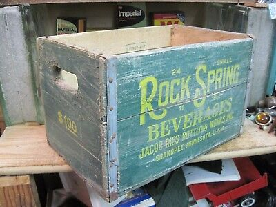 ROCK SPRING wooden BEVERAGES CRATE pop SODA wood carrier 1962 SHAKOPEE MN BOX