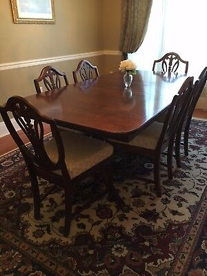 Duncan Phyfe Style Dining Table and 6 chairs - circa 1930's-1940's