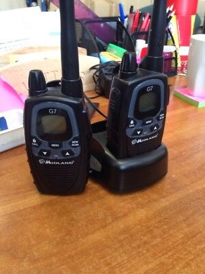 Midland G7 Dual Band Walkie Talkies x 2 with charging base