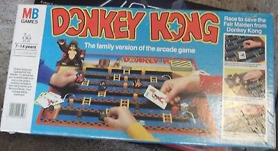 Mb Games - Donkey Kong- Family Version Of The Arcade Game - 1987 Board Game