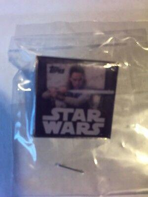 New York Comic Con 2017 - NYCC 2017 Star Wars Rey Pin From Topps (Mint In Wrappe