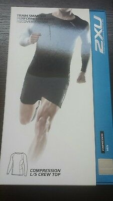 2XU compression long sleeve men's top size small BNWT