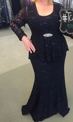 Ursula of Switzerland evening gown Lace, Navy blue size 22