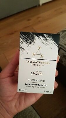 Aromatherapy Associates for Space.NK. Open Space Bath & Shower Oil 55ml