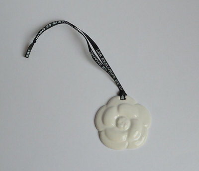 CHANEL VIP gift from beauty counter white ceramic camelia charm blotter NEW