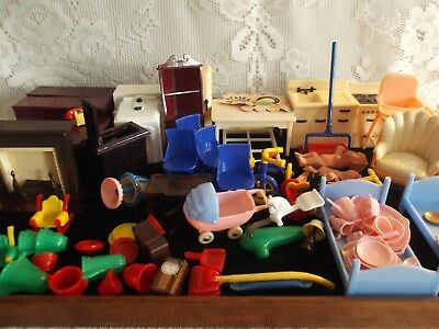 Large Lot Of Vintage Doll Furniture & Accessories Renwal, Acme, & Unmarked