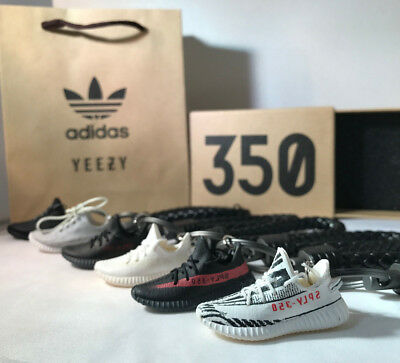 Kicksmini Yeezy350 Boost 3D mini Sneaker Keychain with Box and Bag Gift Set