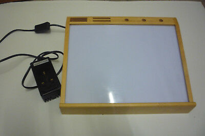 Small A4 wooden and perspex lightbox for drawing & tracing full working order
