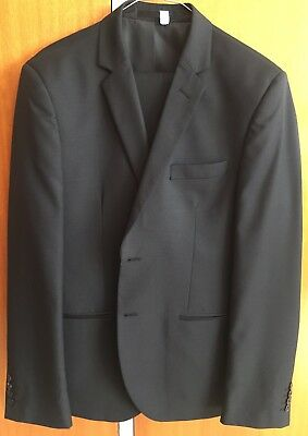 Roger David Wool Blend Suit