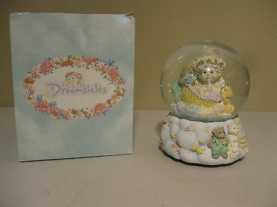 Dreamsicles Westland Musical Snow Globe - Brahms Lullaby