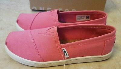 New TOMS Girls Classic Pink Canvas Slip-On Kids Shoes Youth Size 2
