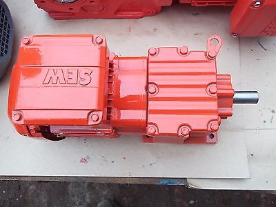 3 phase gear motor 0.37 kw.160 rpm.SEW EURODRIVE  R17DRS71S4 new