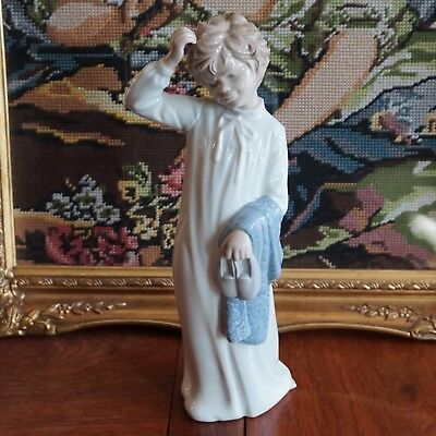 """Large LLADRO Nao """"Boy With Slippers"""""""