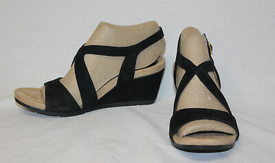 18c36412460f New Woman s Black Euro Soft By Sofft Vianca Open Toe Buckle Wedge Sandals  Size 7